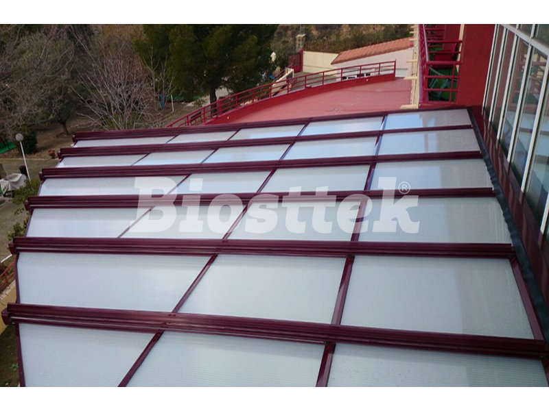 Techos moviles de policarbonato o panel biosttek for Cubiertas para techos livianas